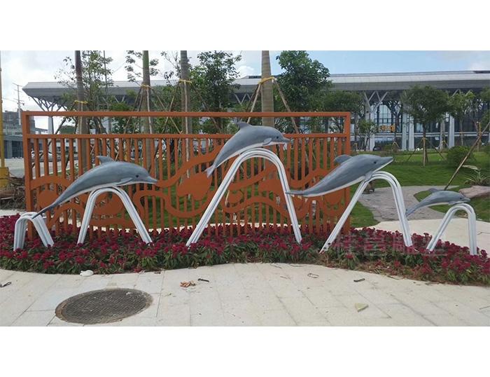 文化广场海豚雕塑