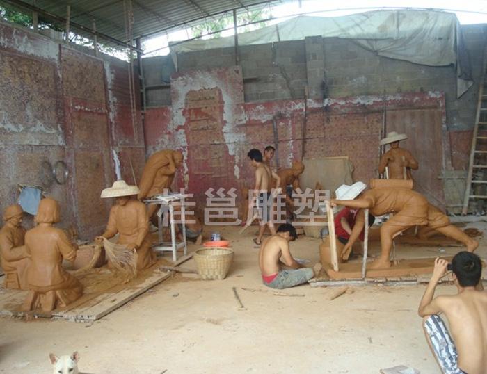 本厂为广州番禺区石楼镇文化广场所做的渔民纪念群雕泥稿