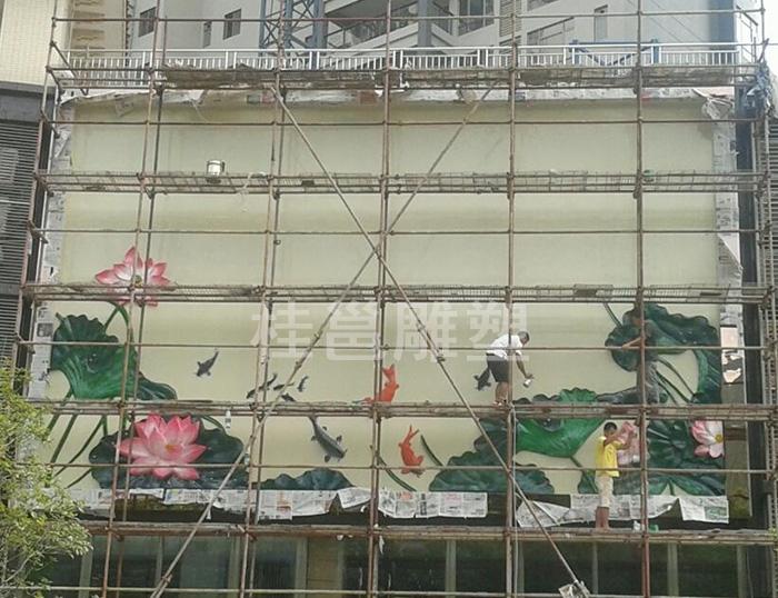 广东清远市源生堂门面装饰浮雕安装